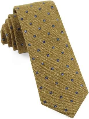 The Tie Bar Medallion Ridges