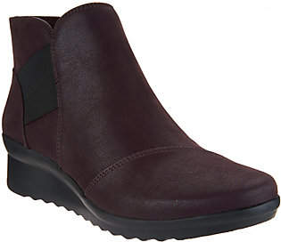 Clarks CLOUDSTEPPERS by Wedge Ankle Boots -Caddell Tropic