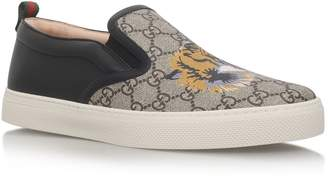 4fb74707013 Gucci Dublin Tiger Skater Shoes