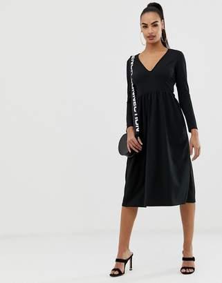 04ef9c0ee88d8 Asos Design DESIGN midi scuba crepe skater dress with open back