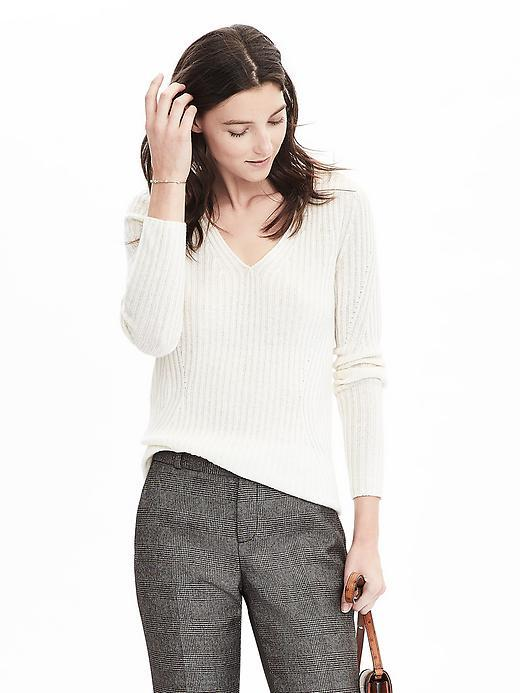 Banana Republic  Italian Cashmere Blend Seamless Ribbed Vee Pullover