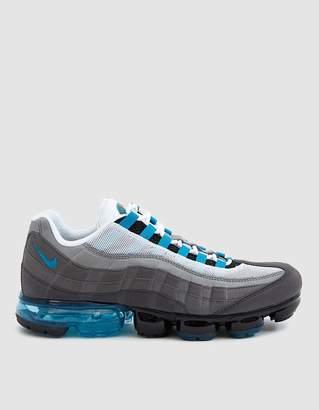 Nike Vapormax '95 Sneaker in Black/Neo Turquoise