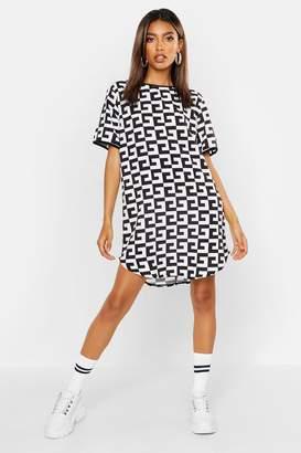 boohoo Monochrome Woven Shift Dress