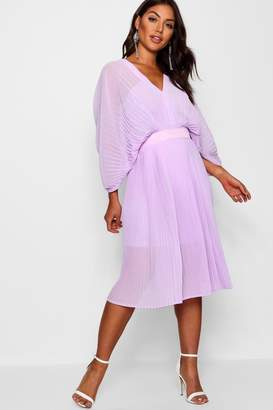 boohoo Boutique Pleated Batwing Midi Dress