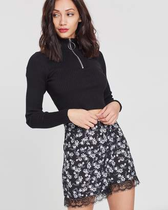 Missguided Floral Lace Insert Shorts