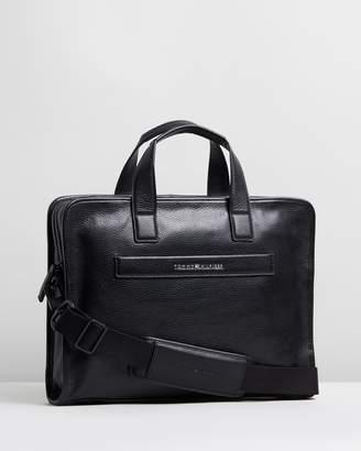Tommy Hilfiger Elevated Leather Computer Bag