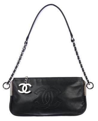 Pre Owned At Therealreal Chanel Ultimate Soft Pochette