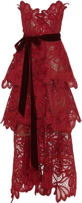 Oscar de la Renta Strapless Tiered Lace Gown