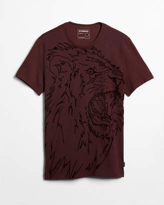 Express Lion Raised Graphic Tee