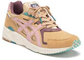 Asics GEL-DS Trainer Running Sneaker