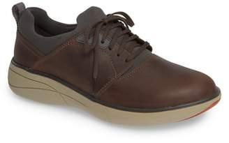Clarks R) Un Rise Lo Sneaker