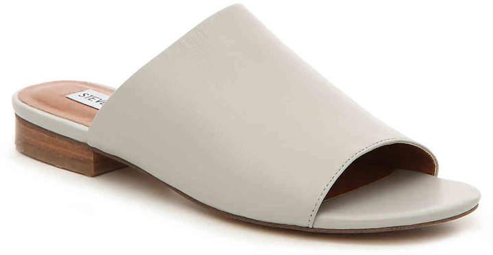 Steve Madden Women's Trope Flat Sandal