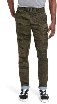 Men's Lacoste L!ve Slim Fit Print Stretch Twill Pants $130 thestylecure.com