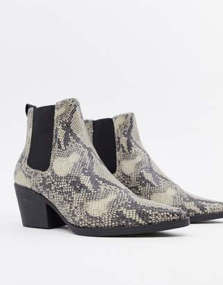 New Look heeled boot in snake print