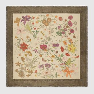Gucci Shawl with Flora Gothic print