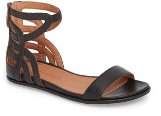 Gentle Souls by Kenneth Cole Larissa Sandal