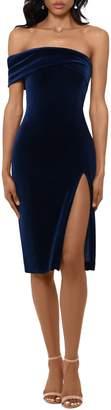 Betsy & Adam One-Shoulder Velvet High Slit Dress