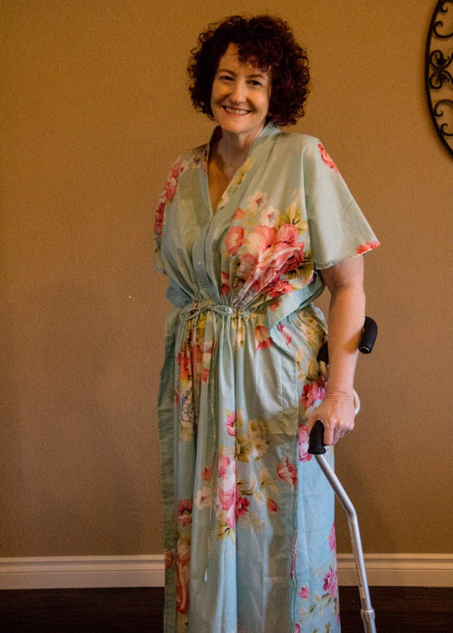 Etsy Light Blue Button-Front Kaftan for Elderly People - Cabbage Rose Pattern
