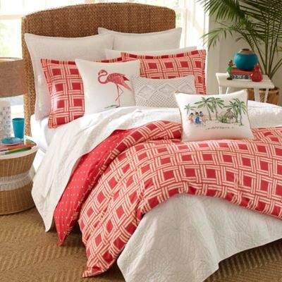 Nine Palms Sunrise King Reversible Duvet Set in Bright Red