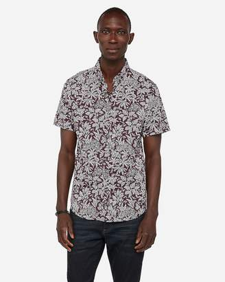 Express Slim Leaf Print Wrinkle-Resistant Performance Short Sleeve Shirt