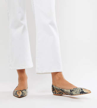 26214a239 Asos Design DESIGN Latch pointed ballet flats in multi snake print