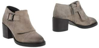 Logan Shoe boots