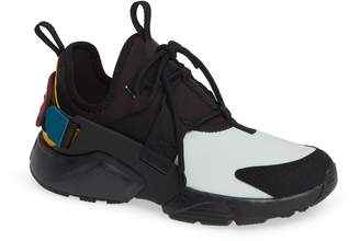 Nike Huarache City Low Sneaker