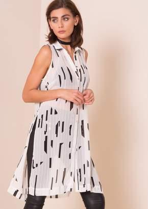 b3162897 at Missy Empire · Missy Empire Missyempire Eden White Monochrome Split  Detail Longline Shirt