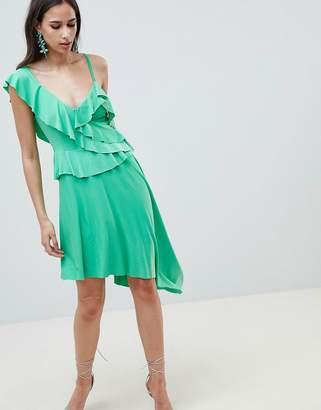 Asos (エイソス) - ASOS DESIGN asymmetric ruffle soft midi dress
