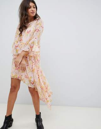 Vero Moda floral asymetric midi dress with ruffle hem in pink