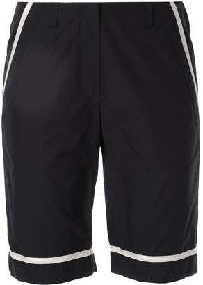 Chanel Pre-Owned contrast-trim bermuda shorts