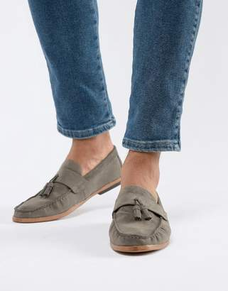 New Look faux suede tassel loafer in dark gray