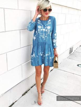 Goodnight Macaroon 'Marleen' Embroidered Light Blue Chambray Dress