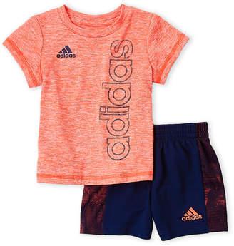 adidas Newborn Boys) Two-Piece Linear Logo Tee & Shorts Set