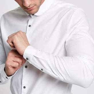 River Island Mens White tailored fit penny collar shirt