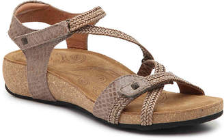 Taos Ziggie Wedge Sandal - Women's
