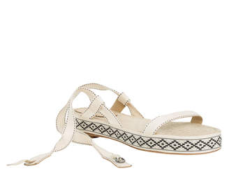Max Studio vagrant : ankle-wrap sandals