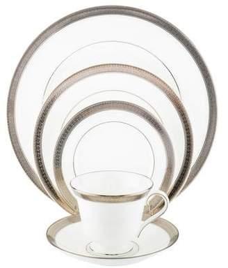 Waterford 30-Piece Newgrange Platinum Dinner Service