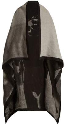 Mary Mccartney - Dress Up Print Wool And Silk Blend Blanket Scarf - Womens - Black White
