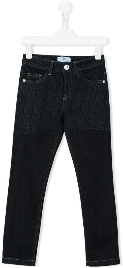 Jeans mit Greca-Print