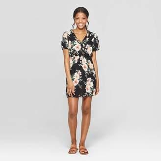 05a536cd77 Xhilaration Women's Floral Print Short Sleeve Ruffle Trim Wrap Dress