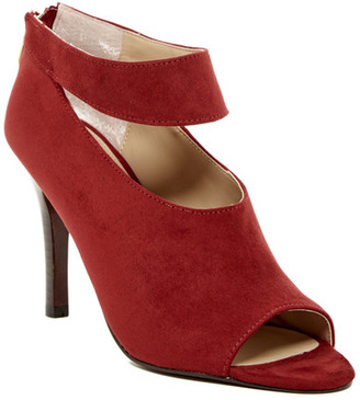 Adrienne Vittadini Gratian Ankle Strap Pump $129 thestylecure.com