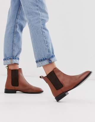 Asos Design DESIGN April leather chelsea boots in tan