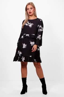 boohoo Plus Floral Ruffle Detail Woven Shift Dress