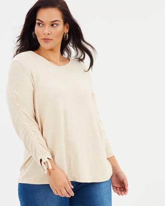 V-Neck Ruch Sleeve Sweater