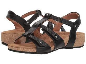 Taos Footwear Eleanor Women's Hook and Loop Shoes