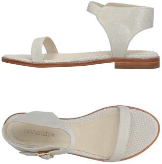 Sessun Sandals