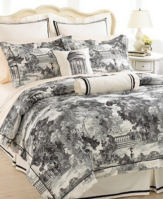 CLOSEOUT! Court of Versailles Bedding, St. Cloud Queen Comforter Set