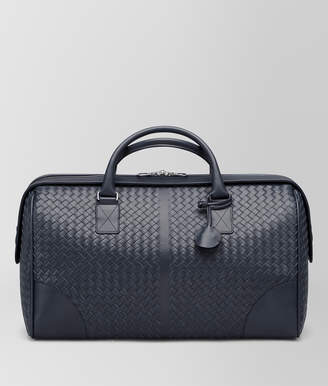 Bottega Veneta MEDIUM DUFFLE BAG IN LIGHT TOURMALINE INTRECCIATO VN