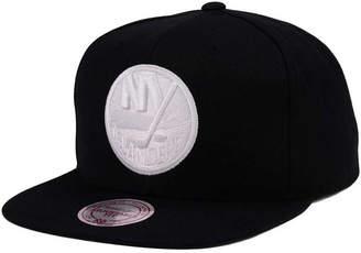 Mitchell & Ness New York Islanders Respect Snapback Cap